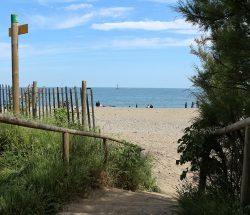 accès plage Camping Les Amandiers